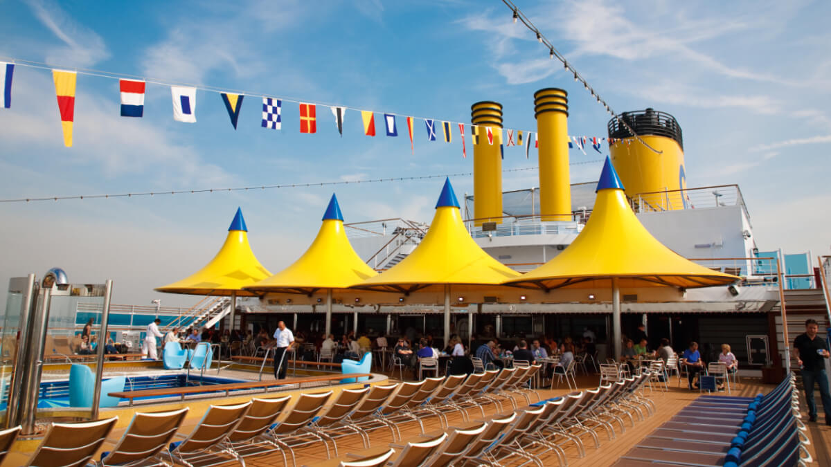 Costa Luminosa - Lido Deck