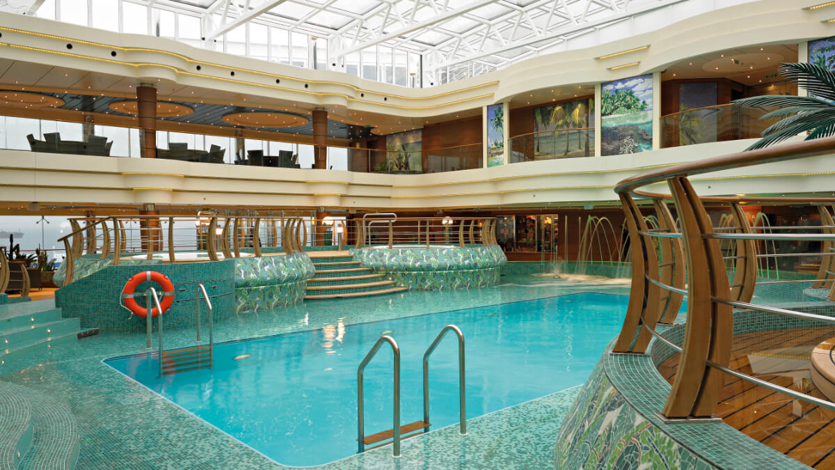MSC Splendida - Überdachter Pool