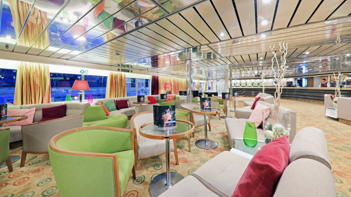 MS Ocean Majesty - Majestic Lounge