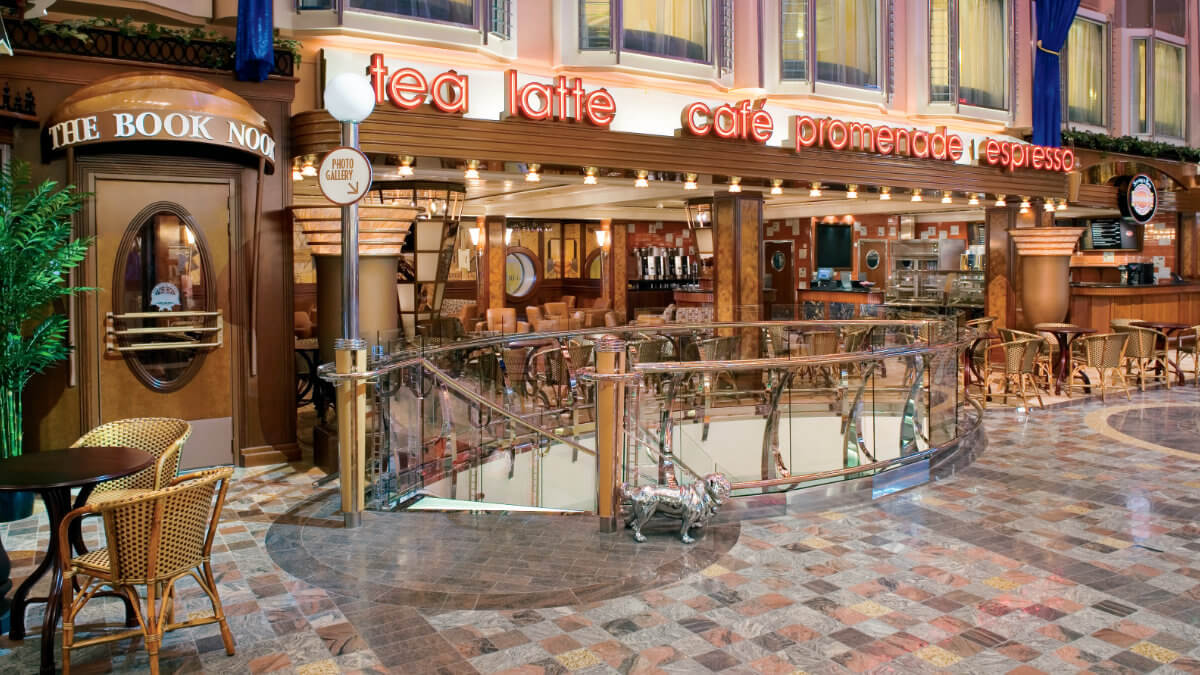 Freedom Of The Seas - Cafe Promenade