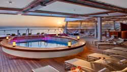 Seabourn Encore - Pool am Heck